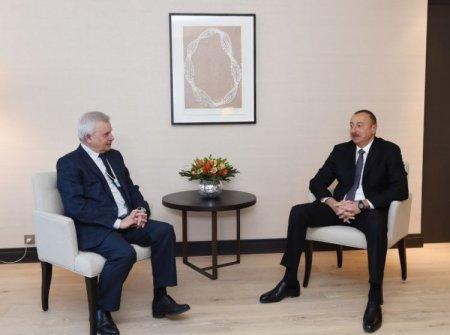 """İlham Əliyev Davosda """"Lukoyl"""" şirkətinin prezidenti ilə görüşüb"""