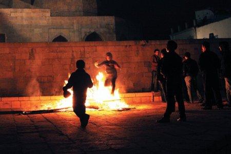 Novruz tonqallarında 7 uşaq xəsarət alıb, bir nəfərin isə hər iki üzü yanıb