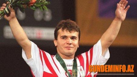 Məşhur türkiyəli atlet Naim Süleymanoğlu vəfat edib