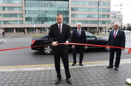 Prezident yeni yarımstansiyanın açılışında -