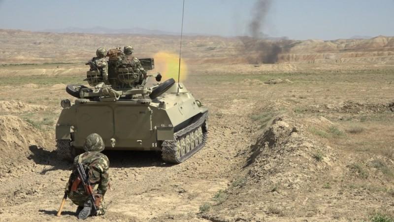 10 minədək şəxsi heyət, 150 tank, 200 raket: Ordumuz genişmiqyaslı təlimə bağladı