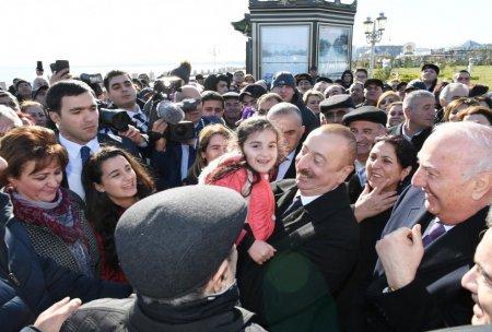 Prezident Sumqayıt bulvarında -