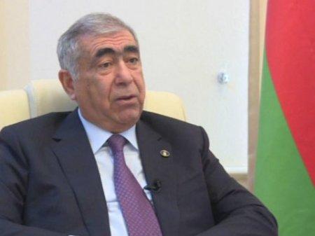Saleh Məmmədov yol çəkmir, yoldan pul toplayır