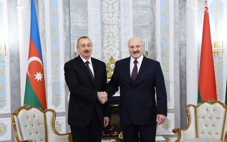 Lukaşenko İlham Əliyevə zəng etdi