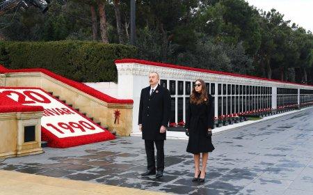 Prezident və xanımı Şəhidlər Xiyabanında -